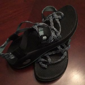 Women's size 8 chacos (like new)